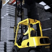 Forklifts vs automated guided vehicles
