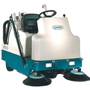 Compact Battery Ride-on Sweeper | Tennant 6200