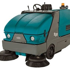 Compact Mid-size Ride-on Sweeper | Tennant S20