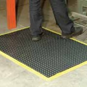 Anti-Fatigue Mats - WRS Bubble Mat