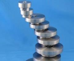 Magnetic disc couplings