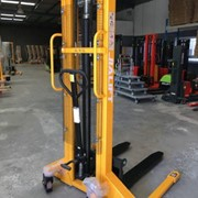 Jialift Straddle Leg Manual Stacker - HSA1030S
