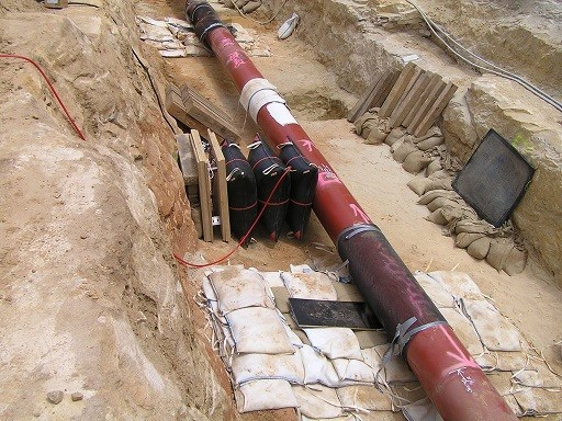 Pronal lifting cushions, shown inflated and deflated here, complement Pronal pipeline stoppers as easily transportable solutions to pipeline maintenance issues
