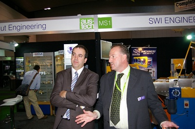 Former Victorian Industry and Trade Minister Martin Pakula (left) and AMTIL CEO Shane Infanti visiting the Manufacturers Showcase at Austech 2009.