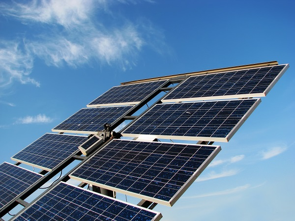 Nanocrystals can help reduce the production cost of photovoltaic panels and boosts their efficiency.
