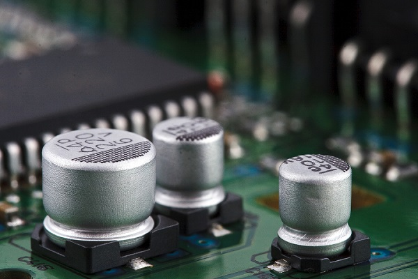 The Single Layer Capacitor (SLC) doesn't have any electrical fatigue caused by internal electrodes, according to Dr Yun Lui from the Australian National University's (ANU) Research School of Chemistry.