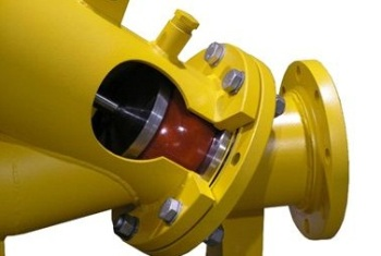 The UVE check valve keeps solids, stringy material, grit, rags, etc. moving without the need for back flushing.