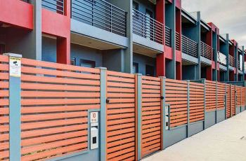 With high expectations of quality from customers, Tribeca required the best building products which included courtyard terrace walls around the new property development.