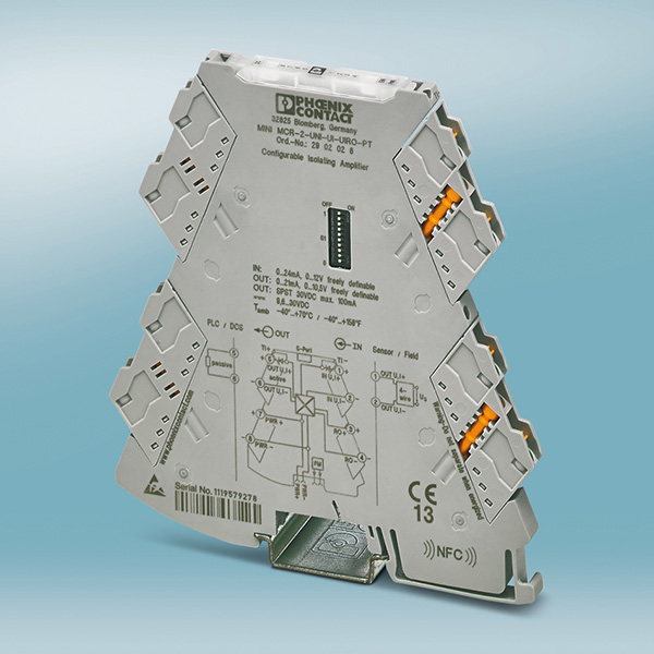 Highly compact and universal 4-way signal conditioner