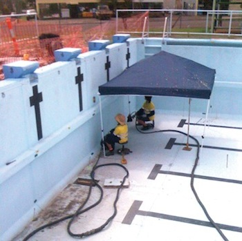 Re-levelling Monto's large pool, a precision lift.