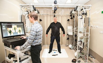 Glen Wimberley and Professor H. Peter Soyer using the VECTRA Whole Body 360.