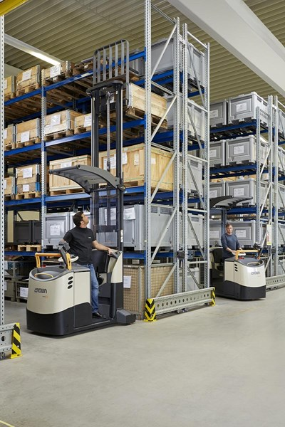 Crown Equipment has launched the new state-of-the-art MPC 3000 Series lift truck, which combines the benefits of an order picker with the advantages of a counterbalance forklift.