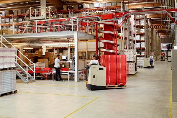 Crown Equipment has launched the new RT 4000 Series pallet transporter, available in stand-up or sit-down configurations with flexible control arrangements.