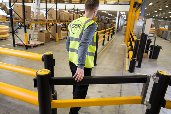 Warehouse Safety A Safe Swing Gate Industry Search