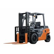 Engine Counterbalanced Forklifts | 3.5 - 5.0 Tonne 8-Series 4-Wheel