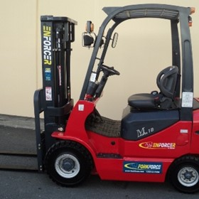 Low Price - Enforcer Diesel Forklift: 1,800kg