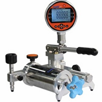 Low Pressure Pneumatic Test Pump | ADT 912