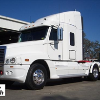 Used 2004 Freightliner CST120