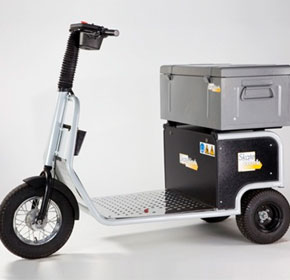Battery Electric Tug with Tool Box | Skatework