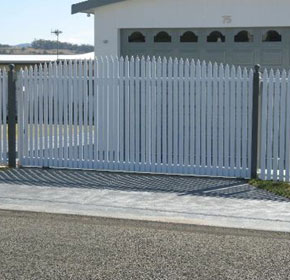 'Edwardian' Picket Fence
