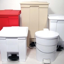 Step-On Containers | Manufactured by Rubbermaid