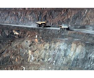 Mining companies are working in an increasingly difficult environment. Photo by Allan Rostron, flickr.