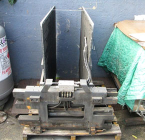Used Carton Clamp/White Goods | Meyer Unit #A77