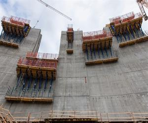"Premiere for Dam formwork D35: the new Doka standard system is used for the first time during construction of ""Dam Sarvsfossen""."
