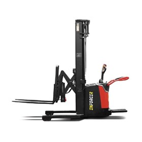 1.6T Walkie Reach Stacker
