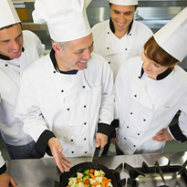 5 Management Strategies for Seasonal Kitchen Staff Efficiency