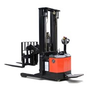Electric Reach Trucks | CQE15s