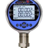 Pressure Calibrator with HART | ADT 672