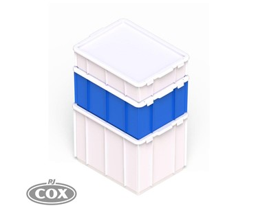 Containers can be stacked when lids fitted.