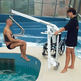 Mobile Pool Lift