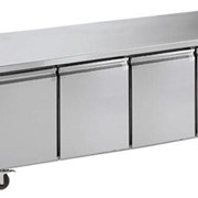 Norsk GN Work Top/UnderBench Fridge Solid 3-Door 465L