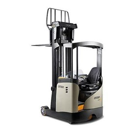 Heavy-Duty Reach Truck | ESR 5200 Series