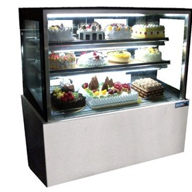 1800mm Straight Glass Cake Display