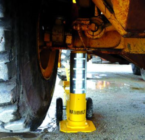 Mammut heavy vehicle jacks now available in 100, 150T capacity