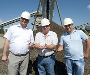 Positive estimate of the end product quality. General Director of Maykop Nedud Company Alexander Kozhanov (in the middle) with his deputies Alexey Poddubny and Stanislav Steblyansky.