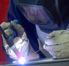 Thoriated tungsten radioactivity risk to welders