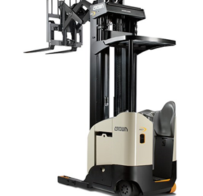 Double Reach Electric Truck Narrow-Aisle | Crown RD 5700 Series