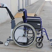 Battery powered wheelchair mover with a 200kg capacity - Electrodrive