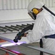 Using metal spraying for anti-corrosive finishing