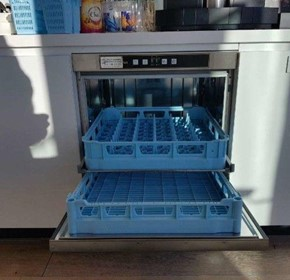 Why are Commercial Dishwashers Important for Restaurants?