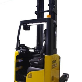 1.4 to 2.5 Tonne Battery Reach Truck