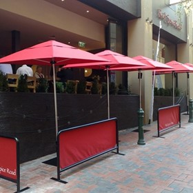 Instant Shade Cafe Barriers