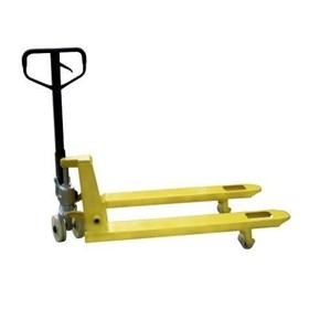Quicklift Pallet Jack / 2.5TON 685mm Wide