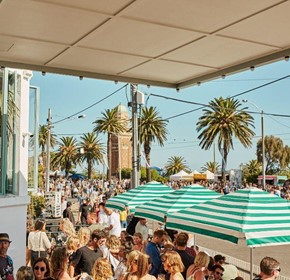 Outdoor Umbrellas essential for Melbourne's Hospitality Industry