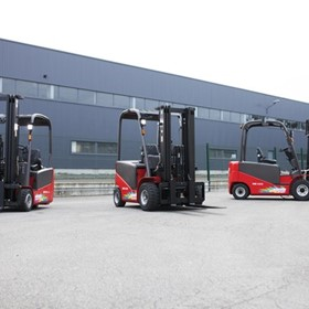 Masted Electric Forklifts | ME 318