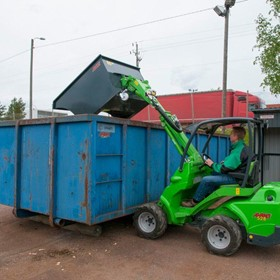 Skip Bucket Attachments | Avant Compact Loader